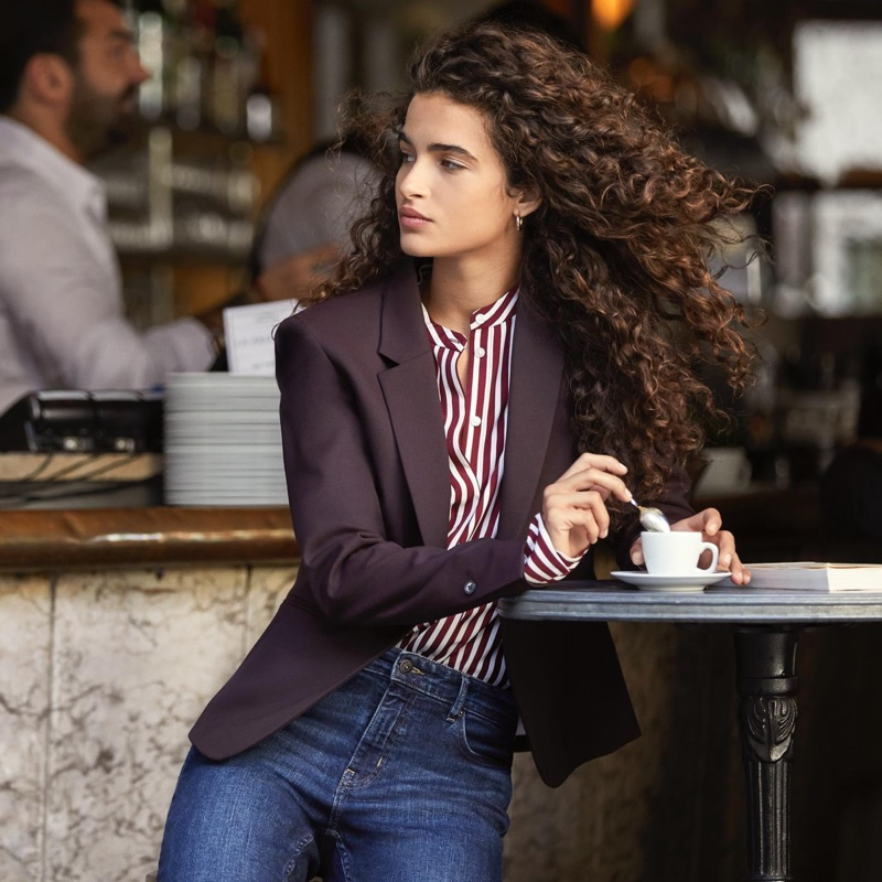 Fitted Jacket, Long-Sleeved Blouse and Straight Regular Jeans