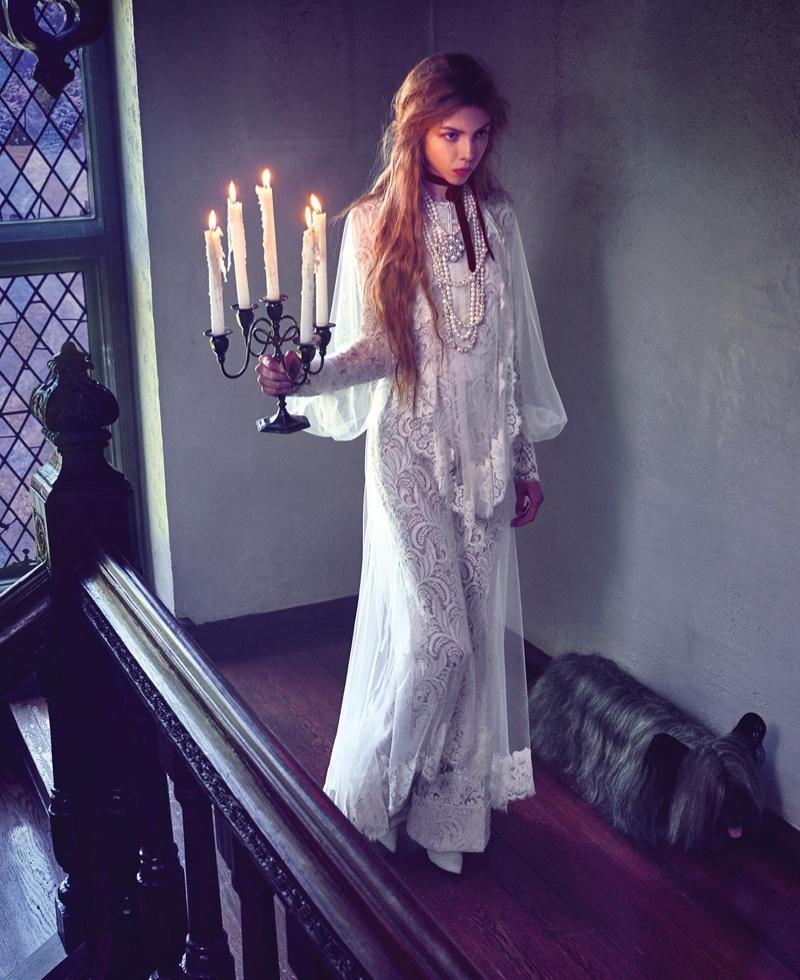 Julia Banas & Léa Julian Are the New Royals for Harper's Bazaar