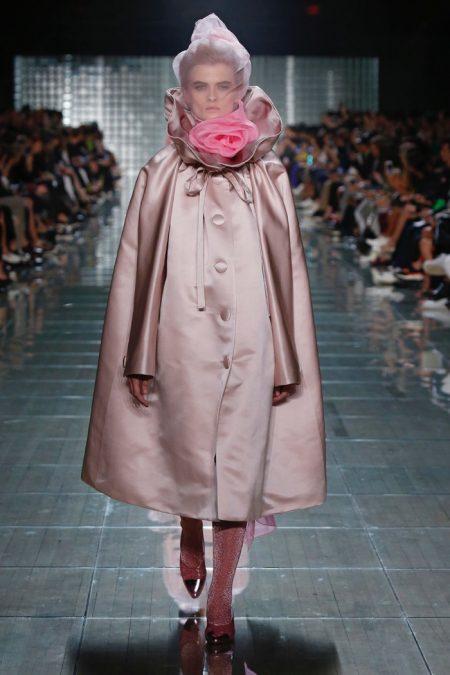 Marc Jacobs Spotlights Sweet Pastels for Spring 2019