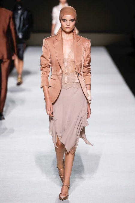 Tom Ford Focuses on Sleek Shapes for Spring 2019