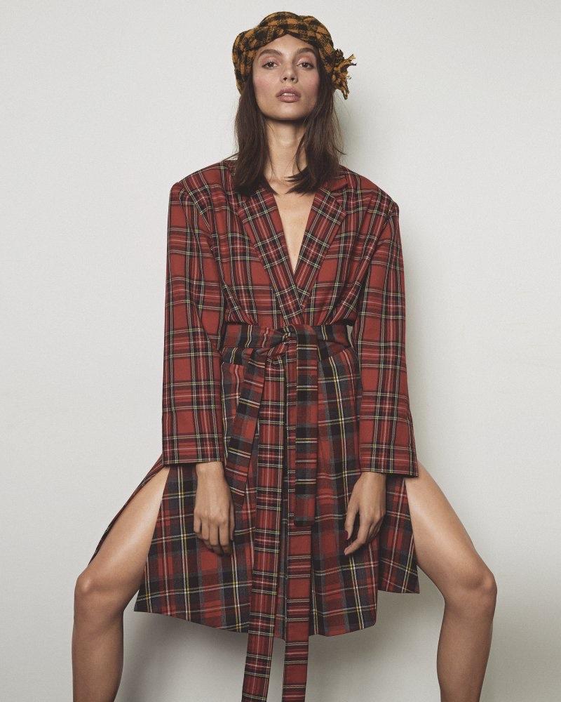 Charlee Fraser Embraces Plaid Prints for S Moda