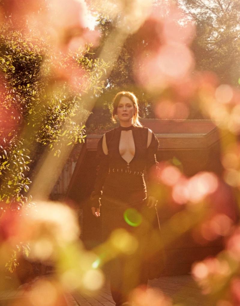 Actress Julianne Moore poses in Chloe dress