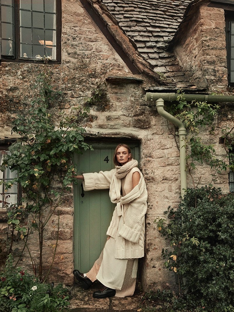 Nimue Smit Layers Up in Fall Knitwear for TELVA Magazine
