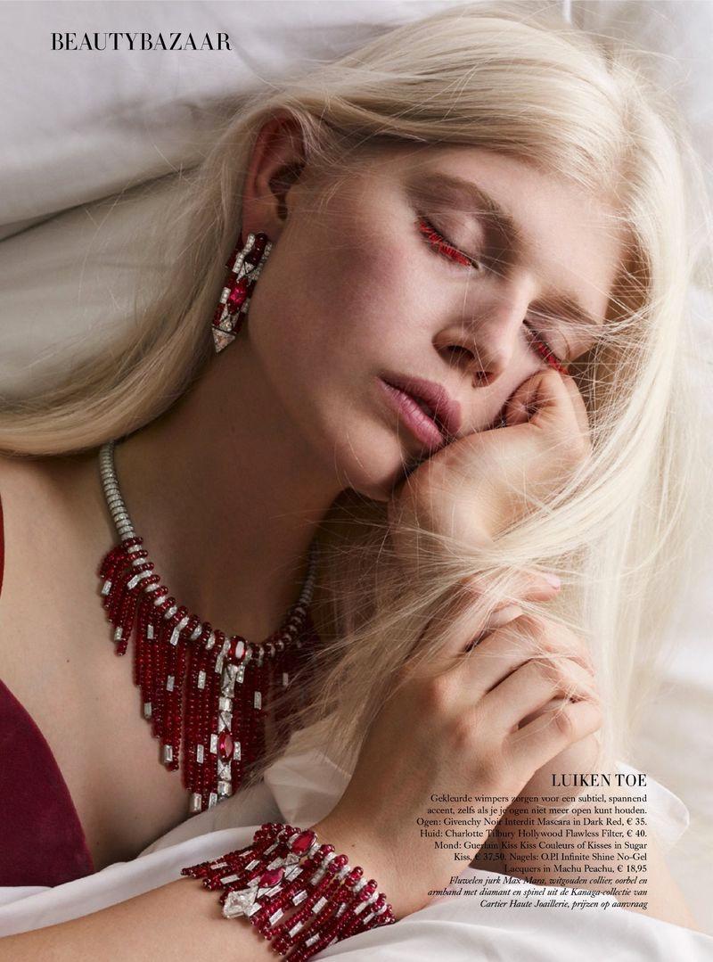 Ola & Naro Are Sleeping Beauties in Harper's Bazaar Netherlands
