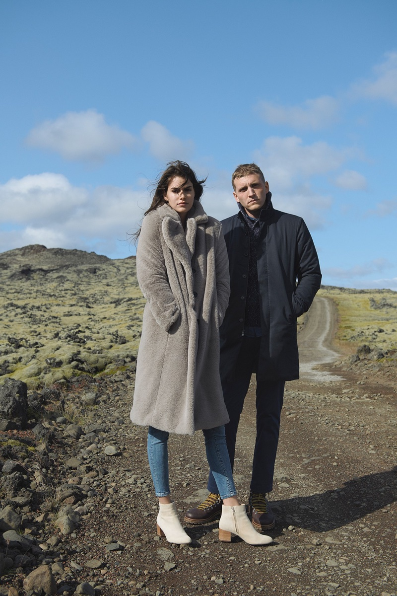 Banana Republic sets Holiday 2018 campaign in Iceland