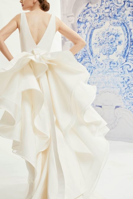 Carolina Herrera Bridal's Fall 2019 Collection is Beyond Chic