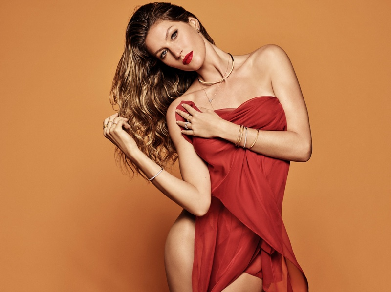 Looking red-hot, Gisele Bundchen fronts Vivara Christmas 2018 campaign
