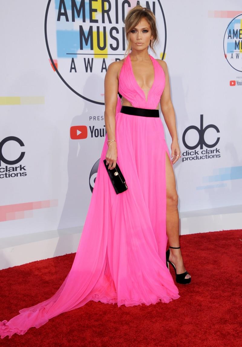 Jennifer Lopez attends the 2018 American Music Awards