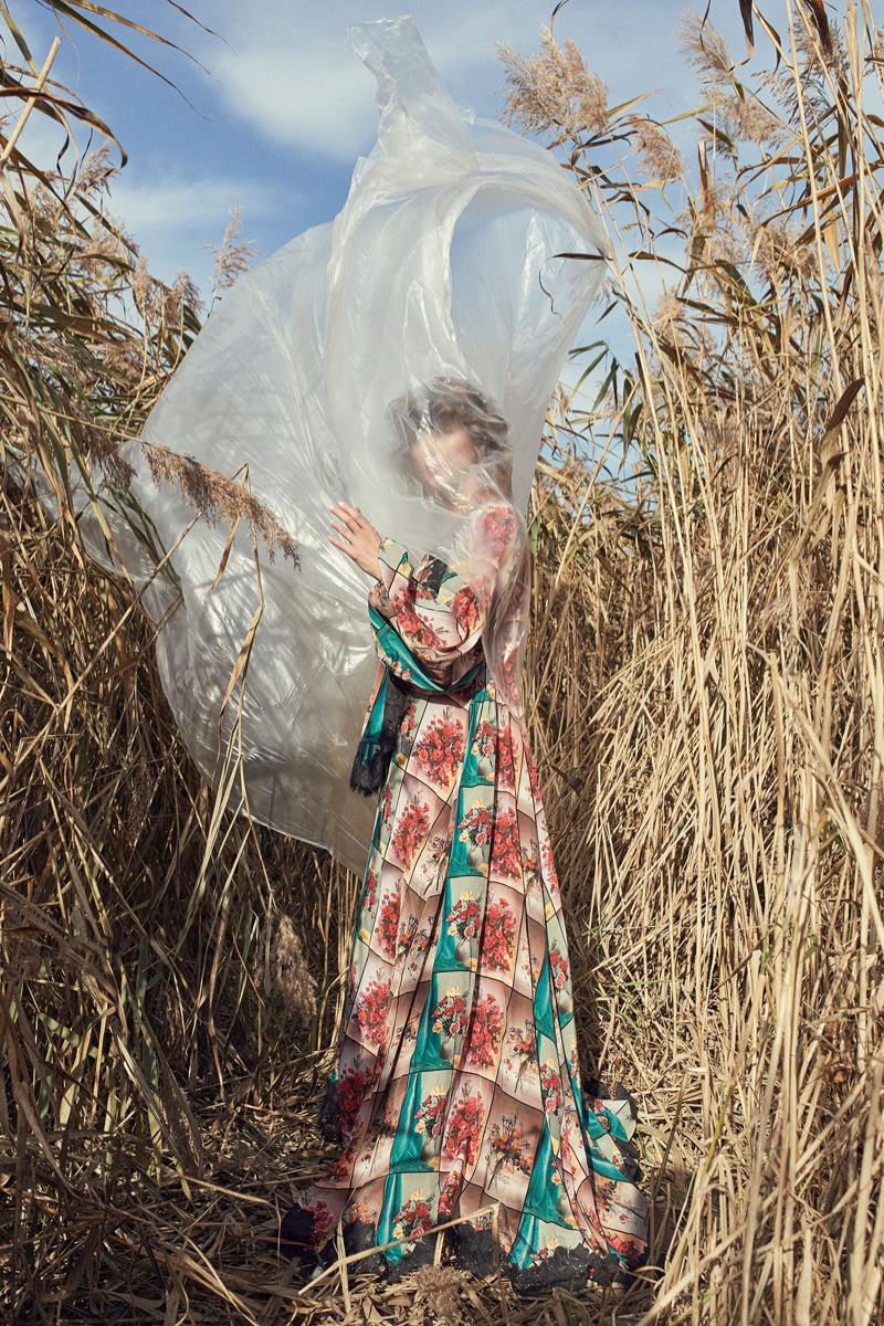 Agnes Nabuurs Poses in 'Fields of Gold' for ELLE Serbia