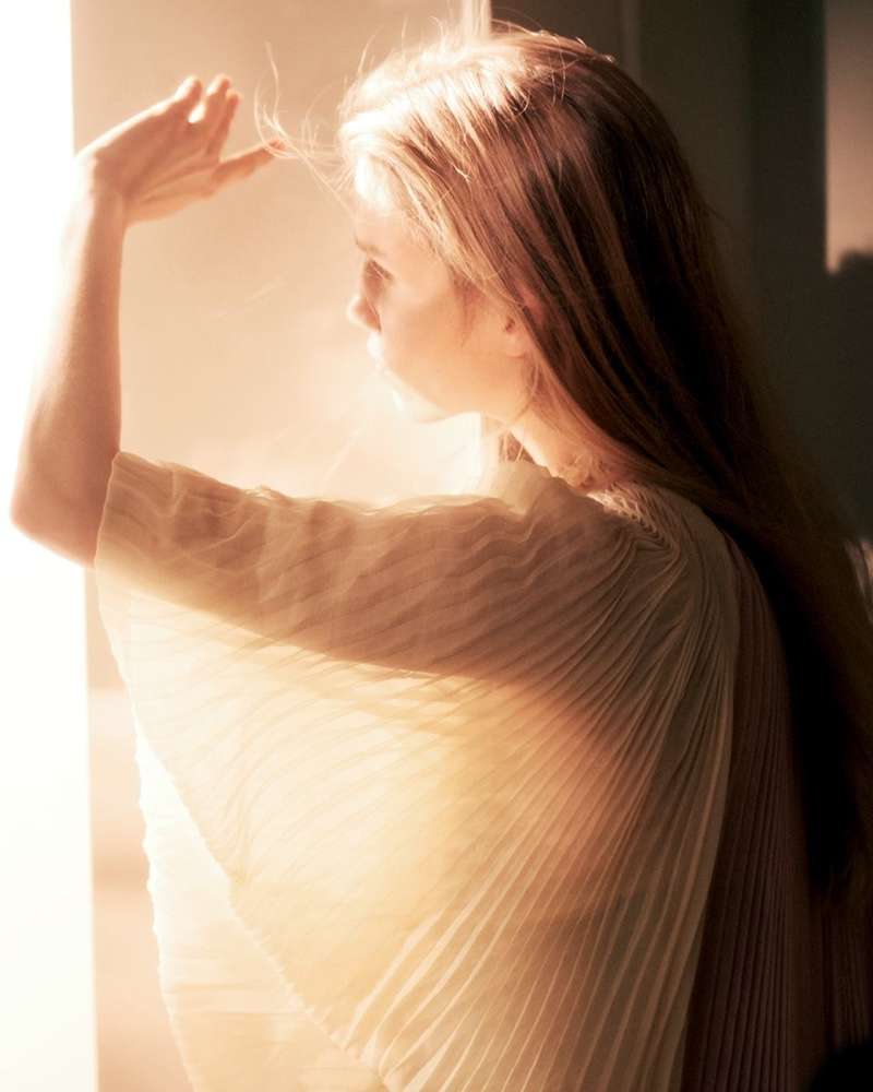 Alberta Ferretti unveils sun-soaked spring 2019 advertising campaign