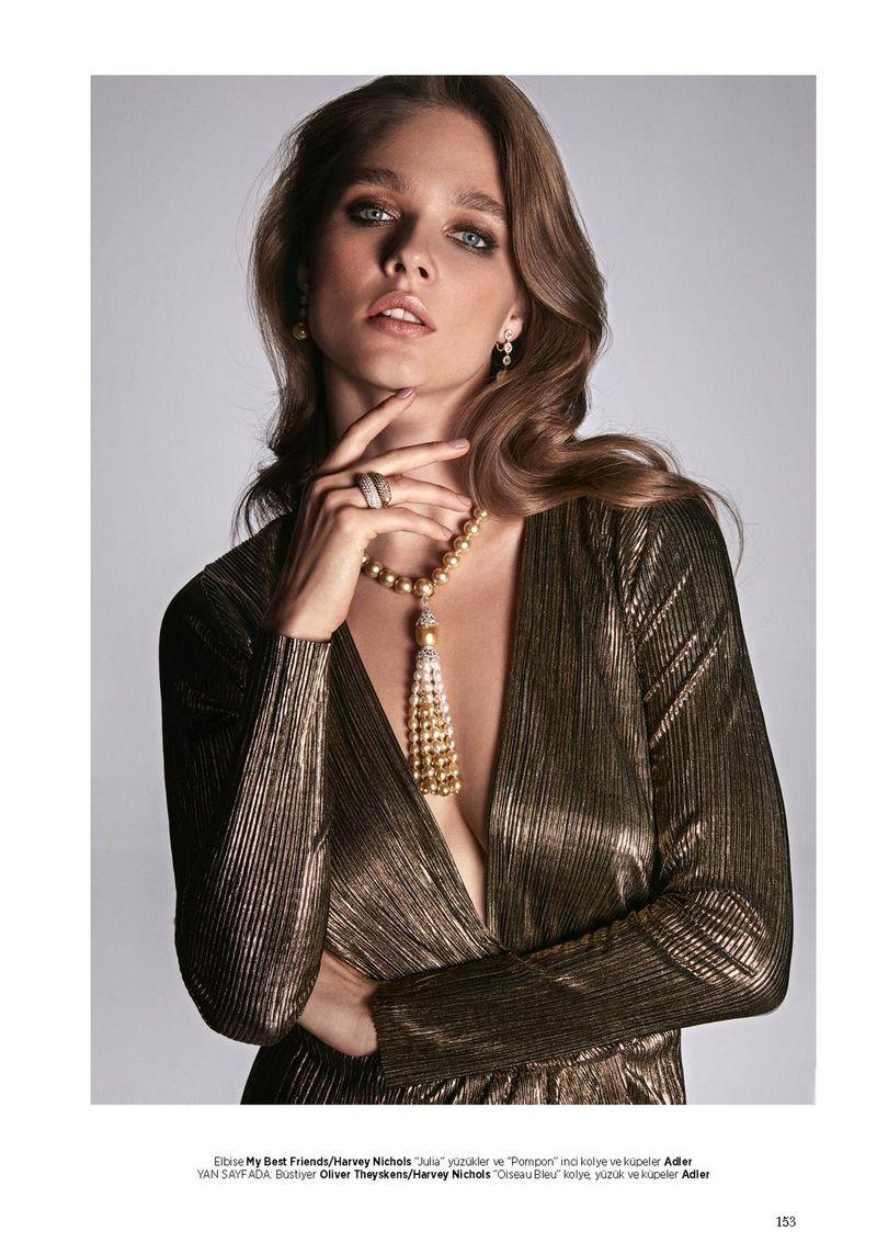 Beegee Margenyte Glitters in Diamonds for Harper's Bazaar Turkey