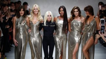 Donatella Versace with supermodels at Versace runway show in Milan. Photo: fashionstock / Deposit Photos
