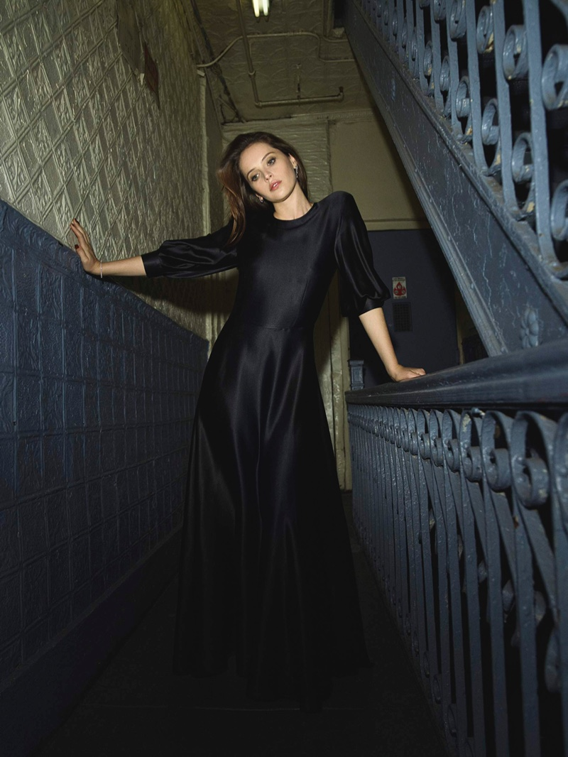 Actress Felicity Jones poses in Deitas dress