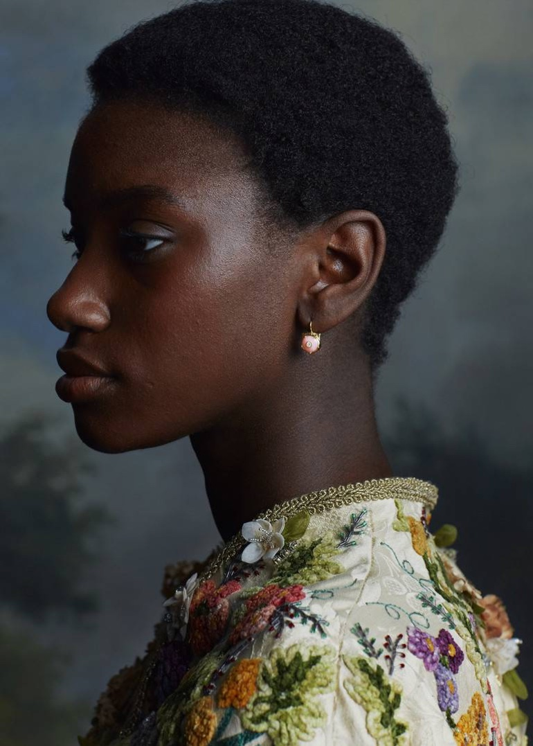 An image from Gucci Le Marché des Merveilles fine jewelry campaign