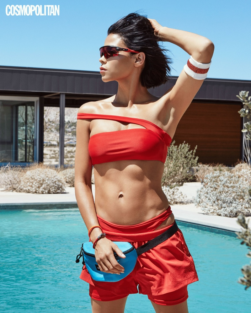 Jenna Dewan looks red-hot by the pool