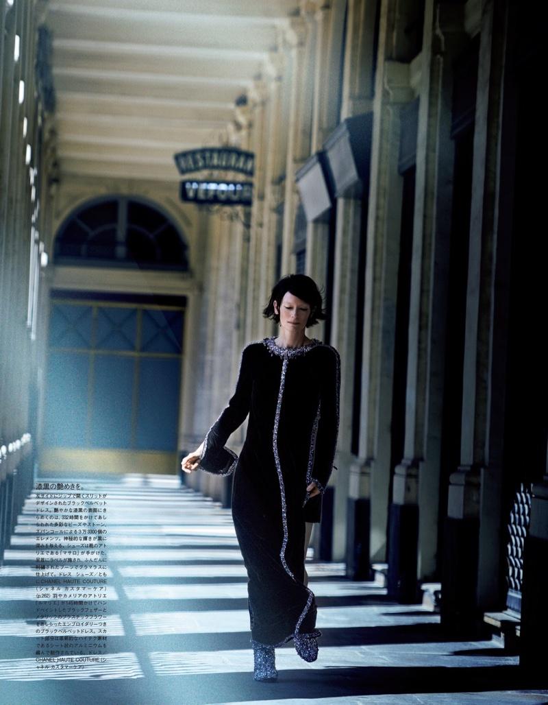 Dressed in black, Tilda Swinton wears a Chanel ensemble
