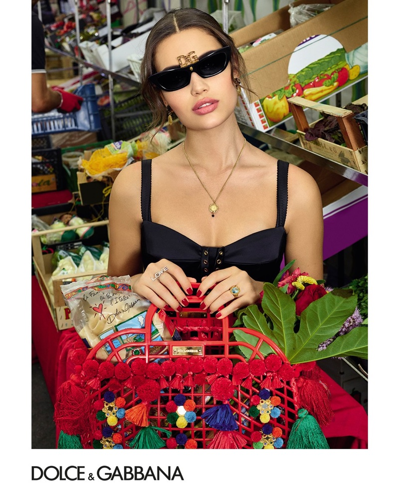 b8089d2cba97 Dolce   Gabbana unveils Accessories spring-summer 2019 campaign