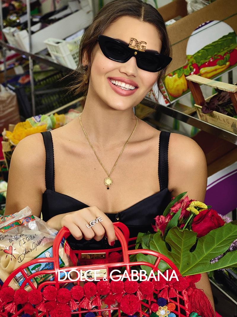 1a8f751f17fc ... Alana Felisberto stars in Dolce   Gabbana Accessories spring-summer  2019 campaign