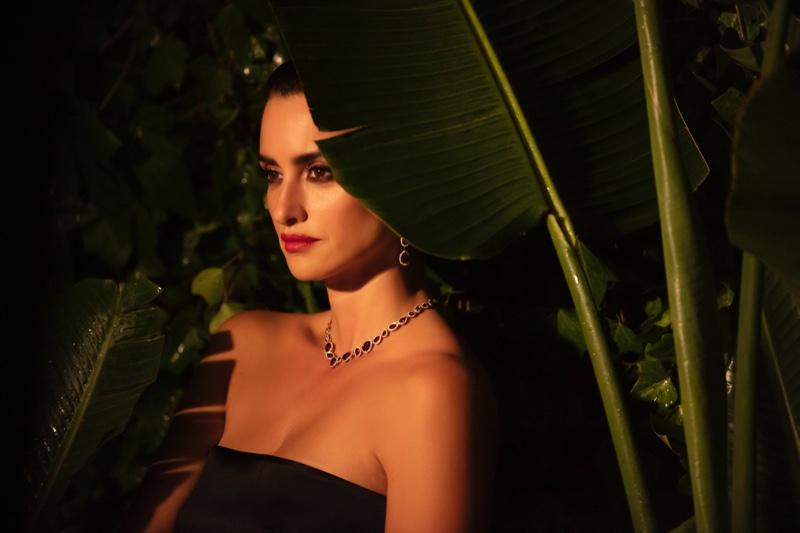 BEHIND THE SCENES: Penelope Cruz poses on set for Atelier Swarovski