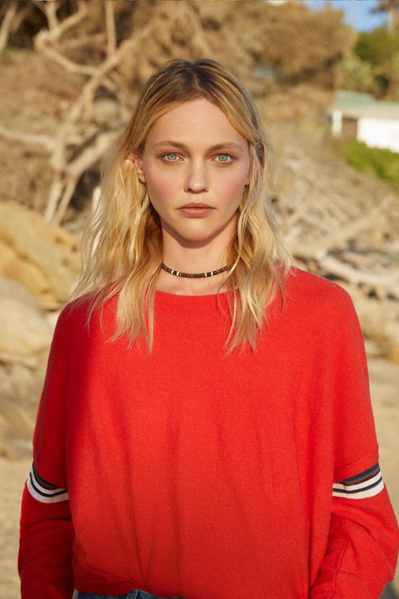 Closed taps Sasha Pivovarova for spring-summer 2019 campaign
