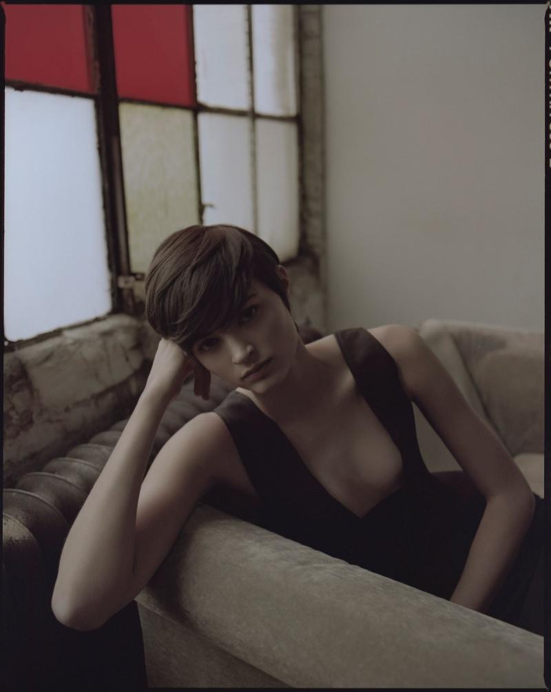 Isabella Emmack Models Minimal Fashion in Vogue Taiwan