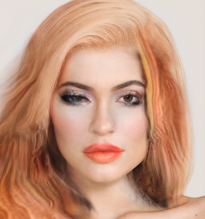 4006813259ba Social media star Kylie Jenner wears a strawberry blonde hairstyle