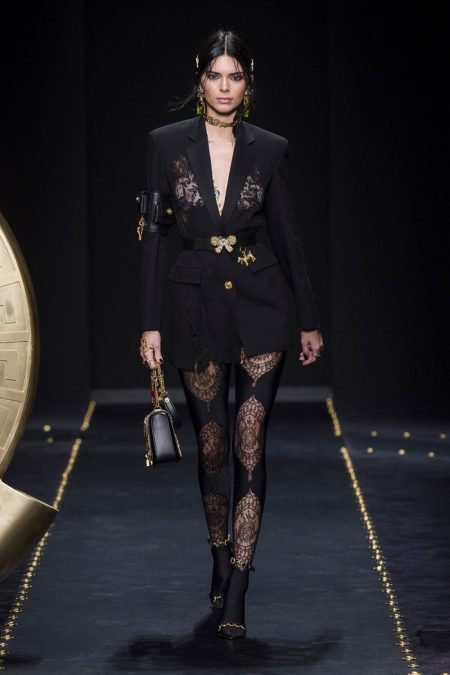 Versace Delivers Grunge Vibes for Fall 2019