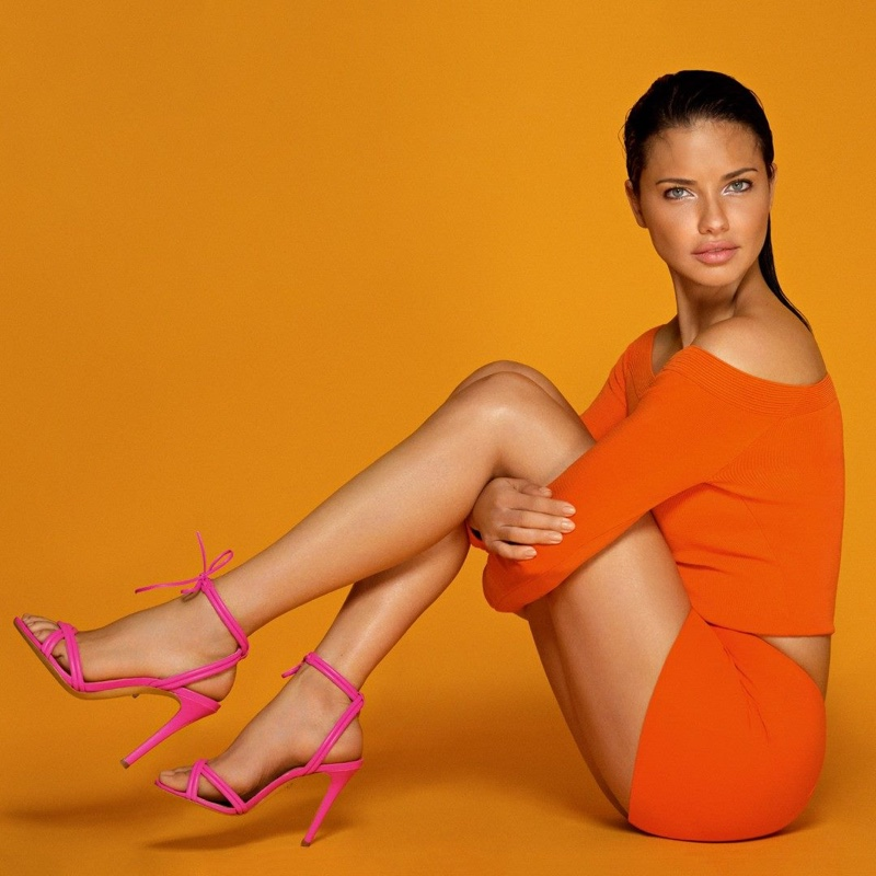 Schutz enlists Adriana Lima for its resort 2019 campaign