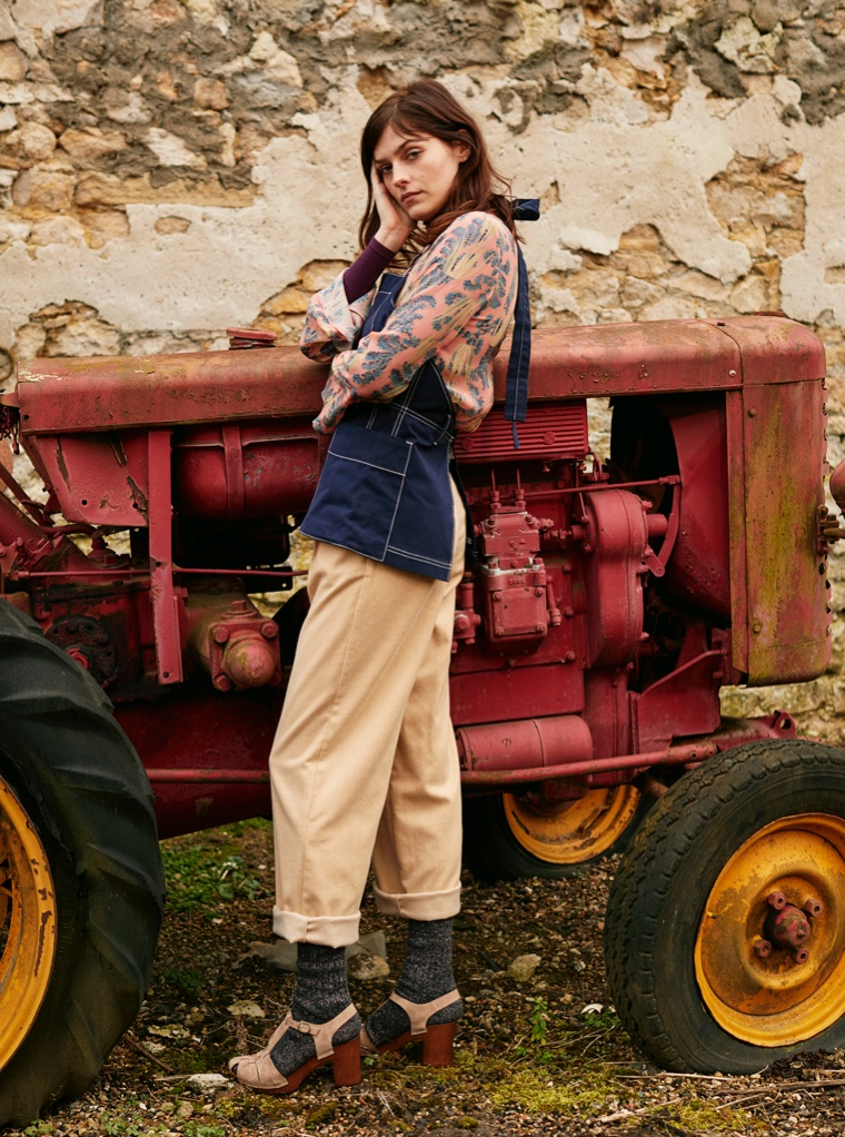 Amber Anderson Models Country Looks for Grazia France