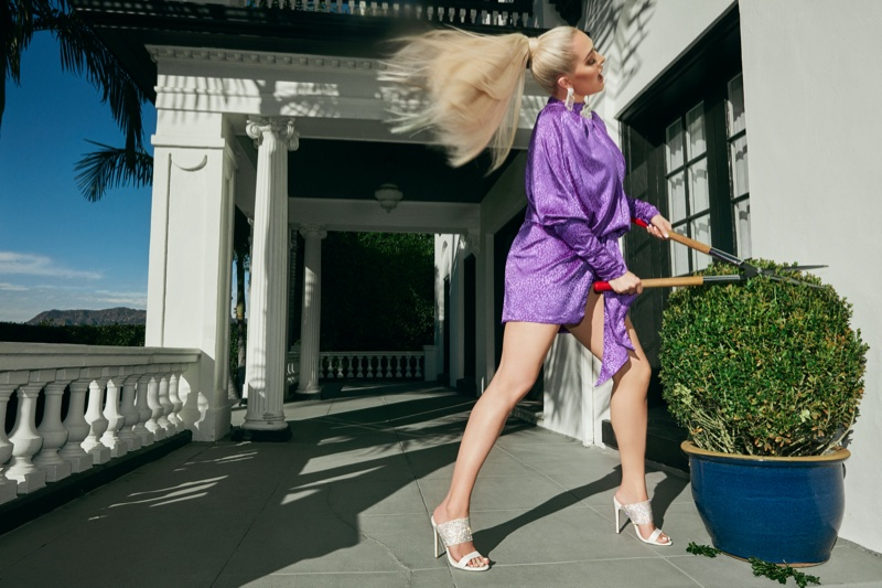 Flaunting her legs, Erika Girardi fronts Shoedazzle collaboration campaign