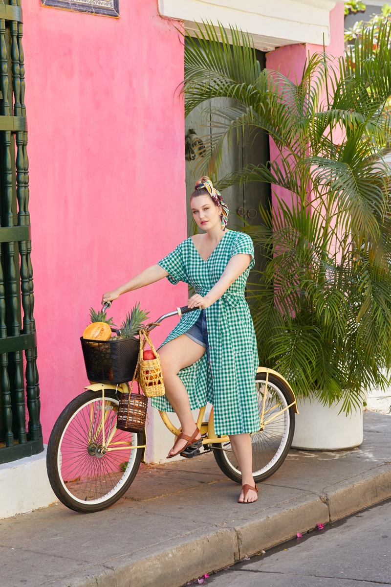 Iza Ijzerman rides a bicycle in Violeta by Mango spring-summer 2019 campaign