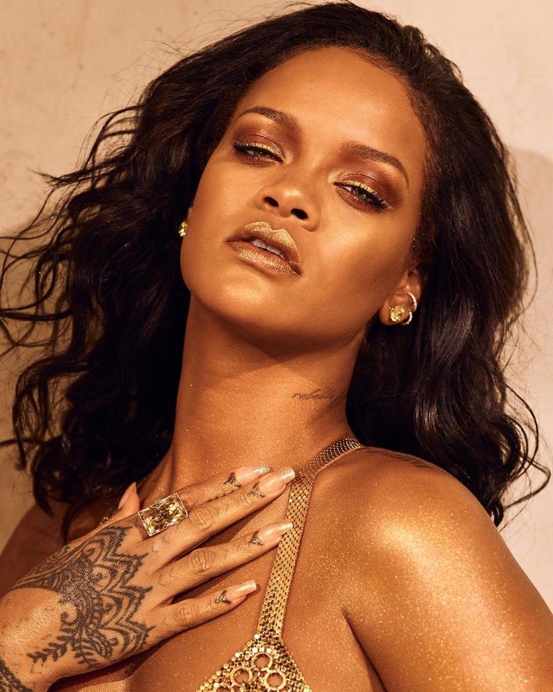Rihanna wears Fenty Beauty Body Lava in Trophy Wife