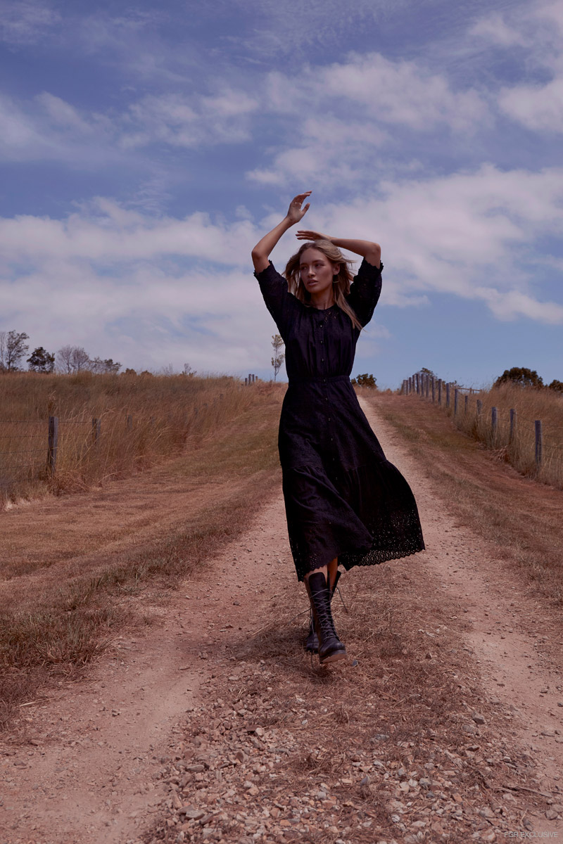 Dress & Boots Island Luxe. Photo: Chris Mohen