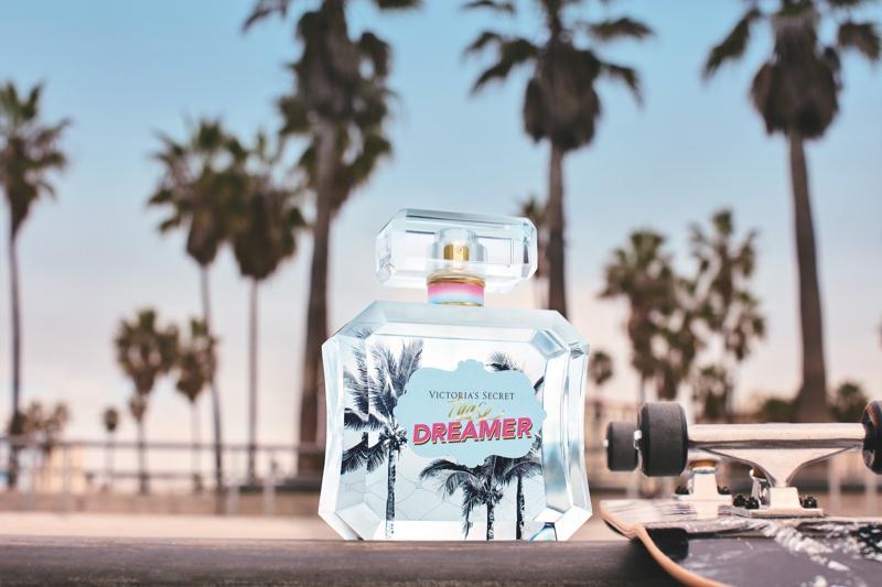 A look at the Victoria's Secret Tease Dreamer fragrance bottle