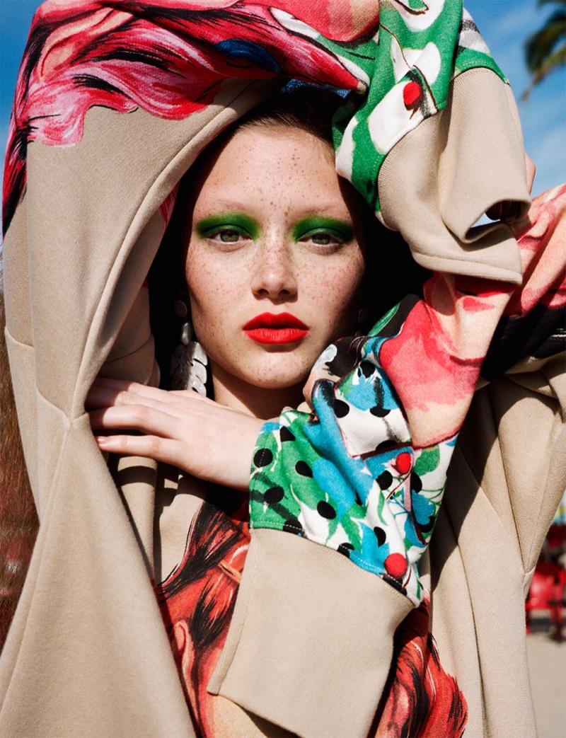 Sara Grace Wallerstedt models green eyeshadow and red lipstick for Zara spring-summer 2019 lookbook