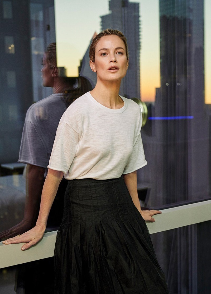 Posing in a minimal look, Carolyn Murphy fronts NakedCashmere spring-summer 2019 campaign