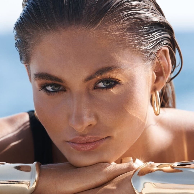 Grace Elizabeth shines in Estee Lauder Bronze Goddess promotional image
