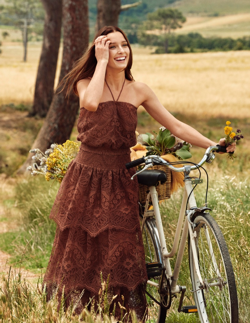 Romantic lace takes the spotlight for H&M Conscious Collection 2019 campaign
