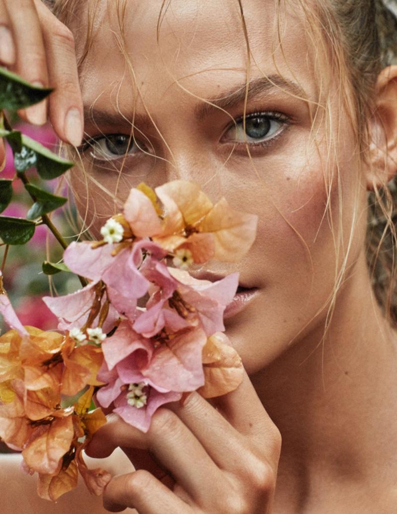 Karlie Kloss Wears Ultra-Bronzed Beauty for Vogue Paris