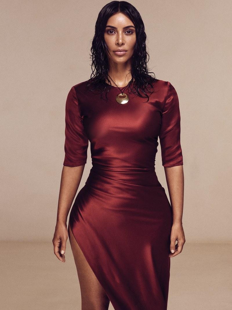 Kim Kardashian poses in Alejandra Alonso Rojas dress with Elsa Peretti for Tiffany & Co. necklace