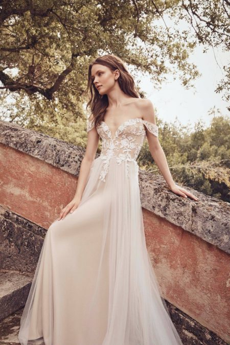 4255159018f2 Monique Lhuillier Bridal Spring 2020 Wedding Dresses | Fashion Gone ...