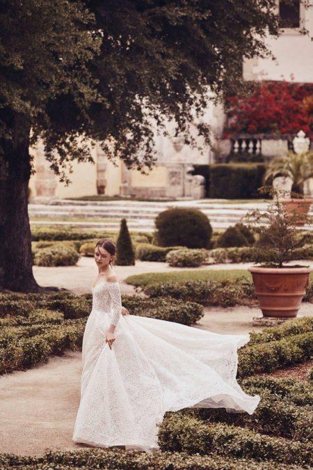 Monique Lhuillier Bridal Delivers Fantasy for Spring 2020