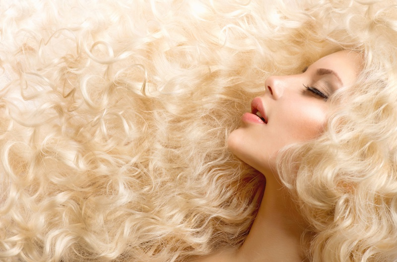 Blonde Curly Wig Model Glamour