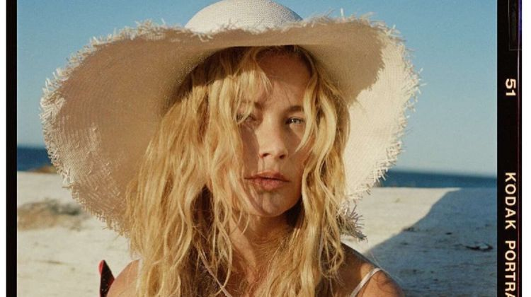 Carolyn Murphy Poses in Vacation Fashions for ELLE France