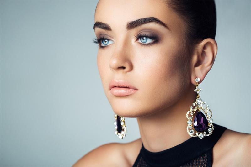Elegant Earrings Model