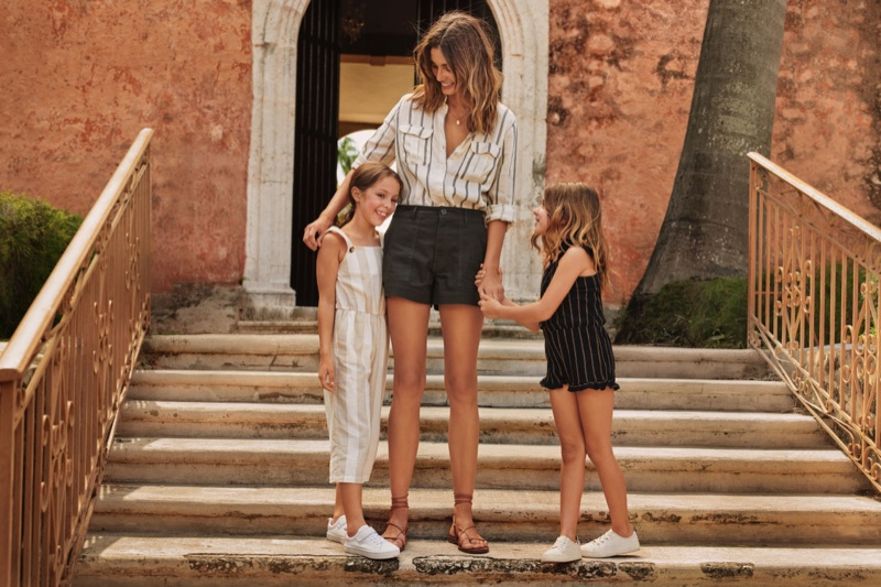 H&M highlights mother and daughter style with summer 2019 trend guide