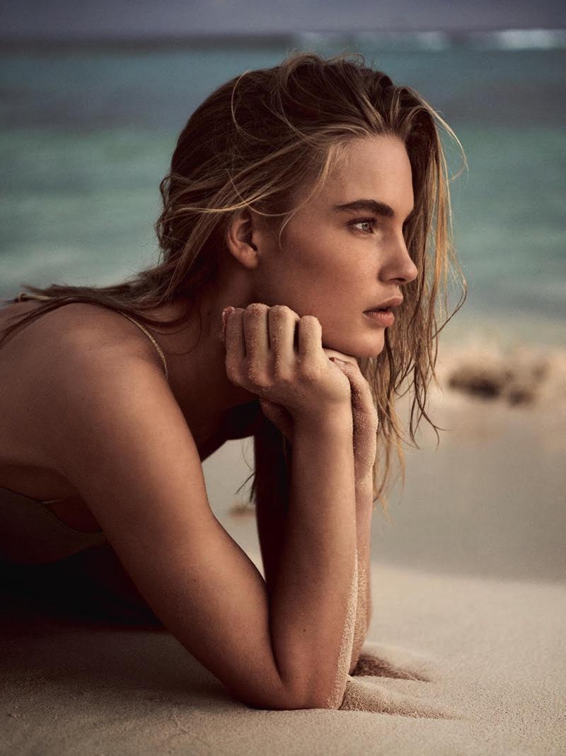 Isabel Scholten Wears Beach Style for TELVA Magazine