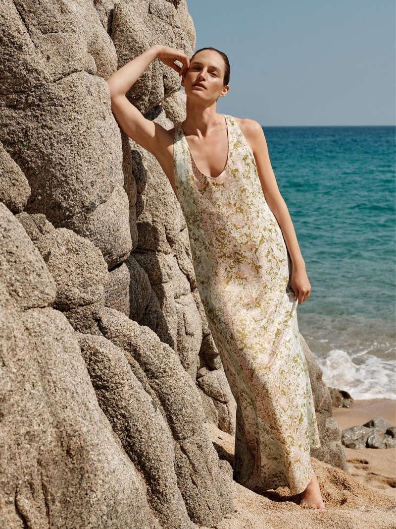 Vivien Solari soaks up the sun in Mango Committed spring-summer 2019 collection