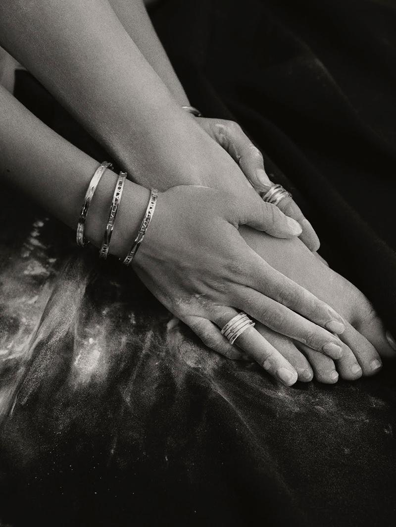 Closeup of Bulgari jewelry worn by Maria Pedraza