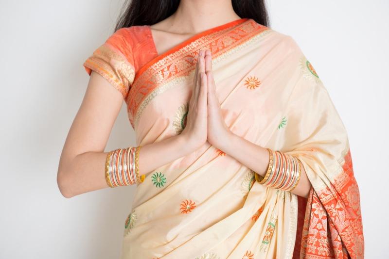 Model Silk Sari